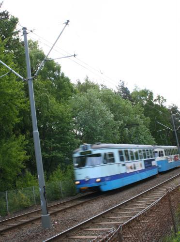 tram-11
